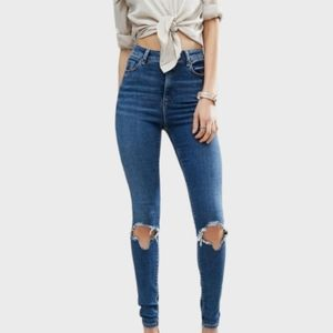 H&M GREAT COND RIPPED KNEES DESTROYED SKINNY JEANS